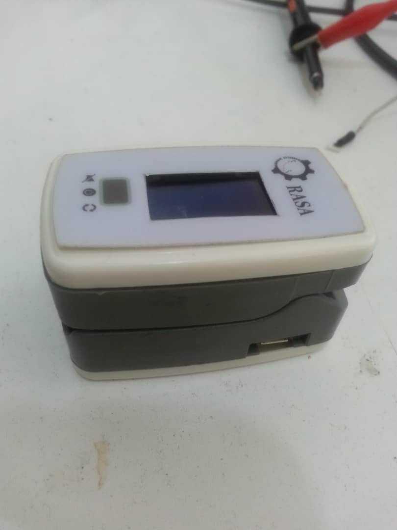پالس اکسیمتر DAKKS مدل POMed-19