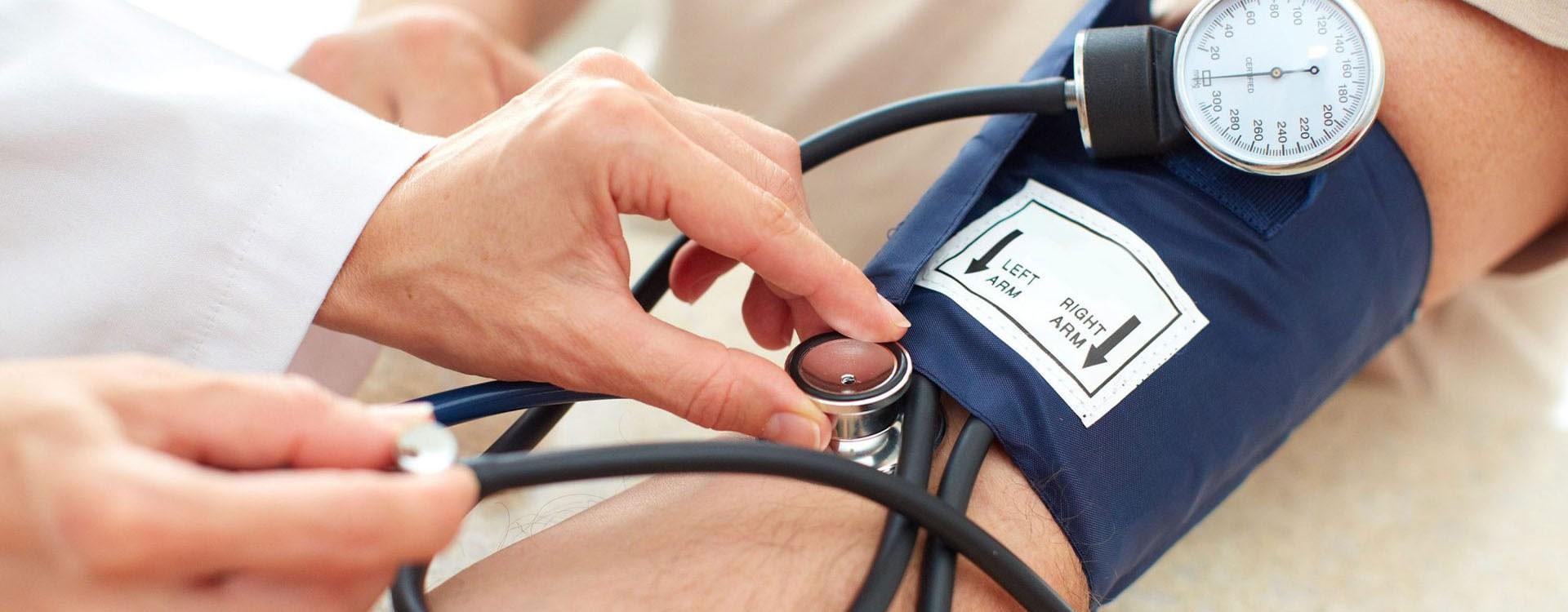 نکات مهم در انتخاب و خرید دستگاه فشار سنج | چگونه دستگاه فشارخون انتخاب کنیم